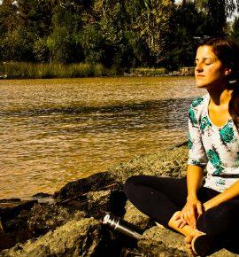 De viaje (o no) con uno mismo: estar solo sí que hace bien