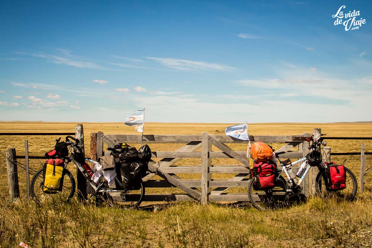 La Vida de Viaje - Viajeros en bicicleta