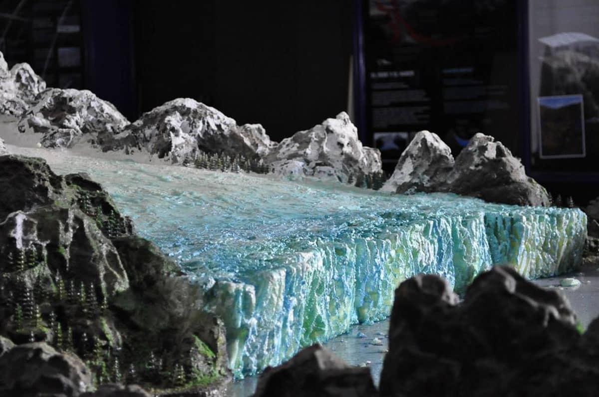 la-vida-de-viaje-viajar-adentro-de-un-glaciar-1200-7