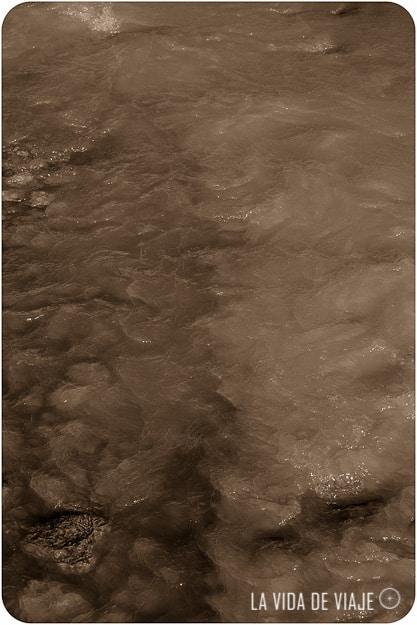 No vamos a develar el secreto de Chilecito, asi que tendrán que visitarlo para ver las aguas amarillas de su río