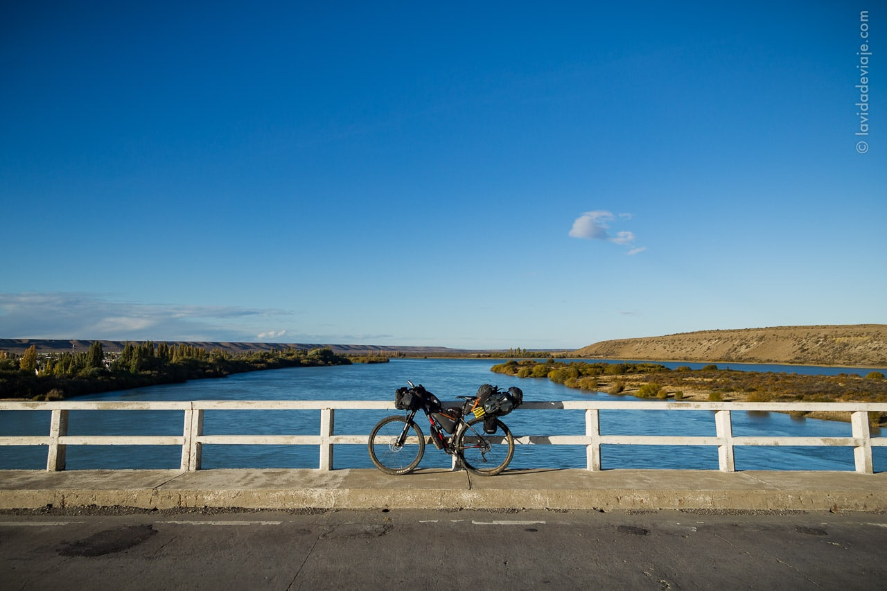 bikerafting rio santa cruz volver al agua