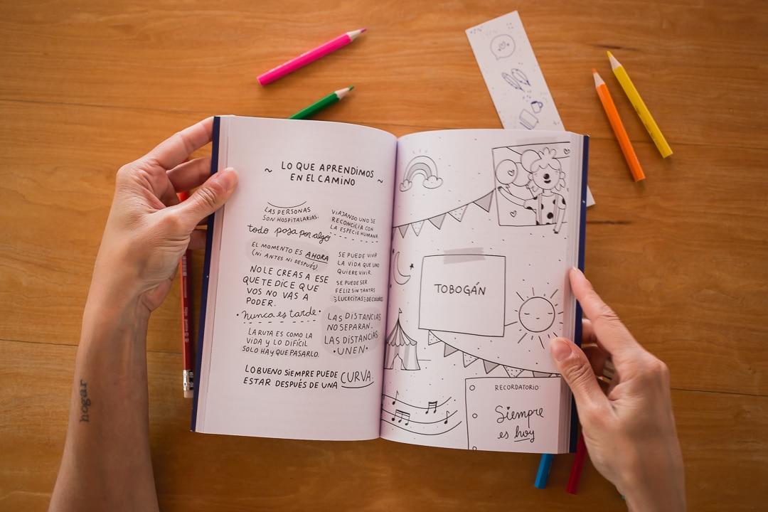interior del libro letras luz