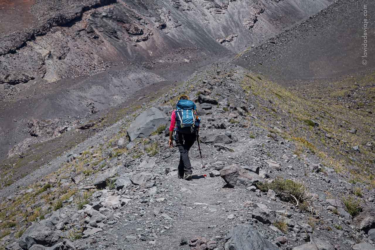 Caminata por la espina de pescado volcán Lanín