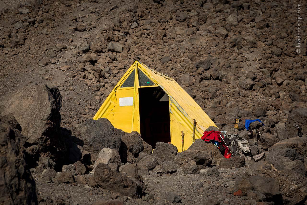 Refugio CAJA volcán Lanín