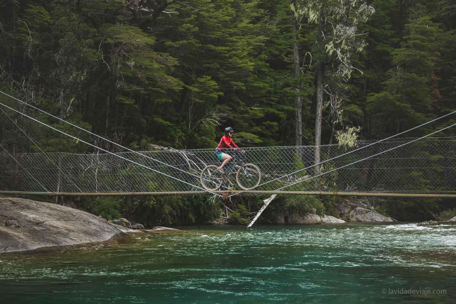 cajon del azul en bicicleta
